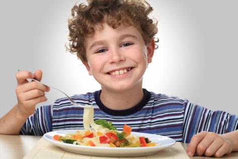 boy-eating-vegeterian-pasta